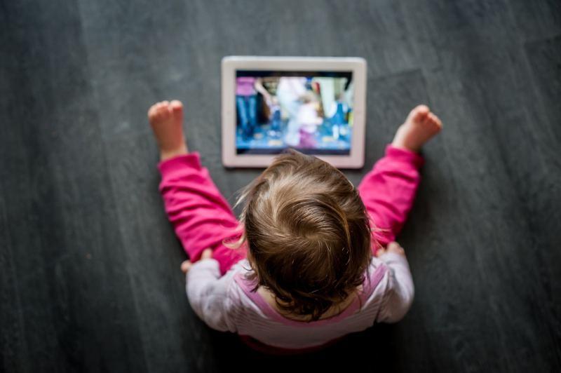 El uso excesivo de tecnología favorece la obesidad infantil